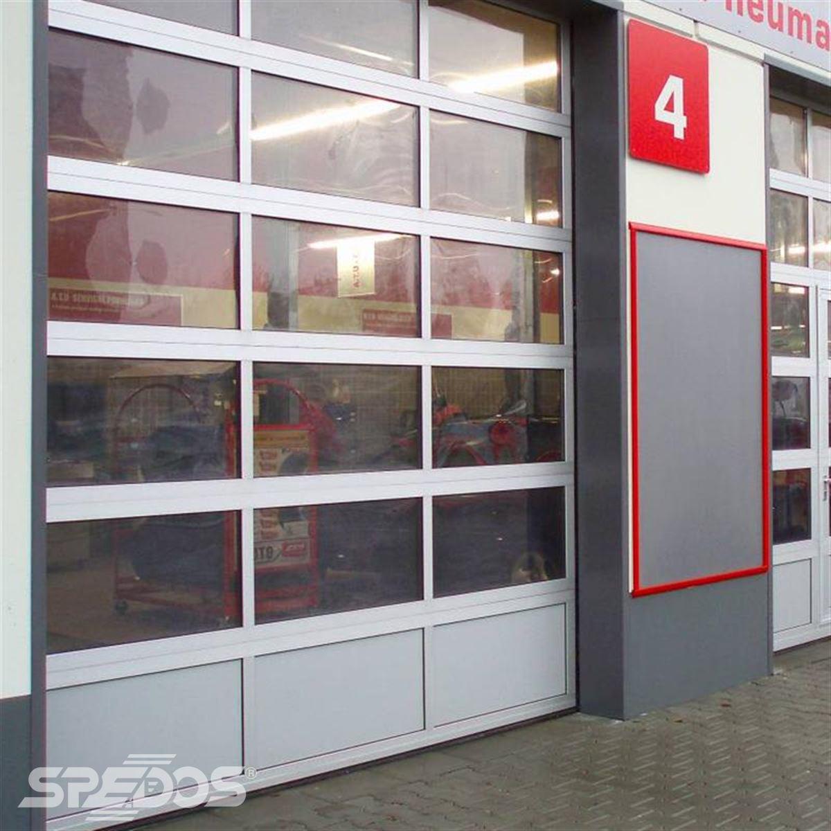 sekční celohliníková vrata pro autoservis 2