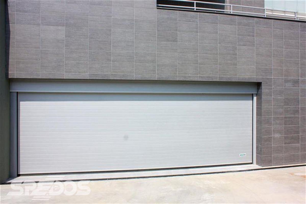 sekční garážová vrata světlá