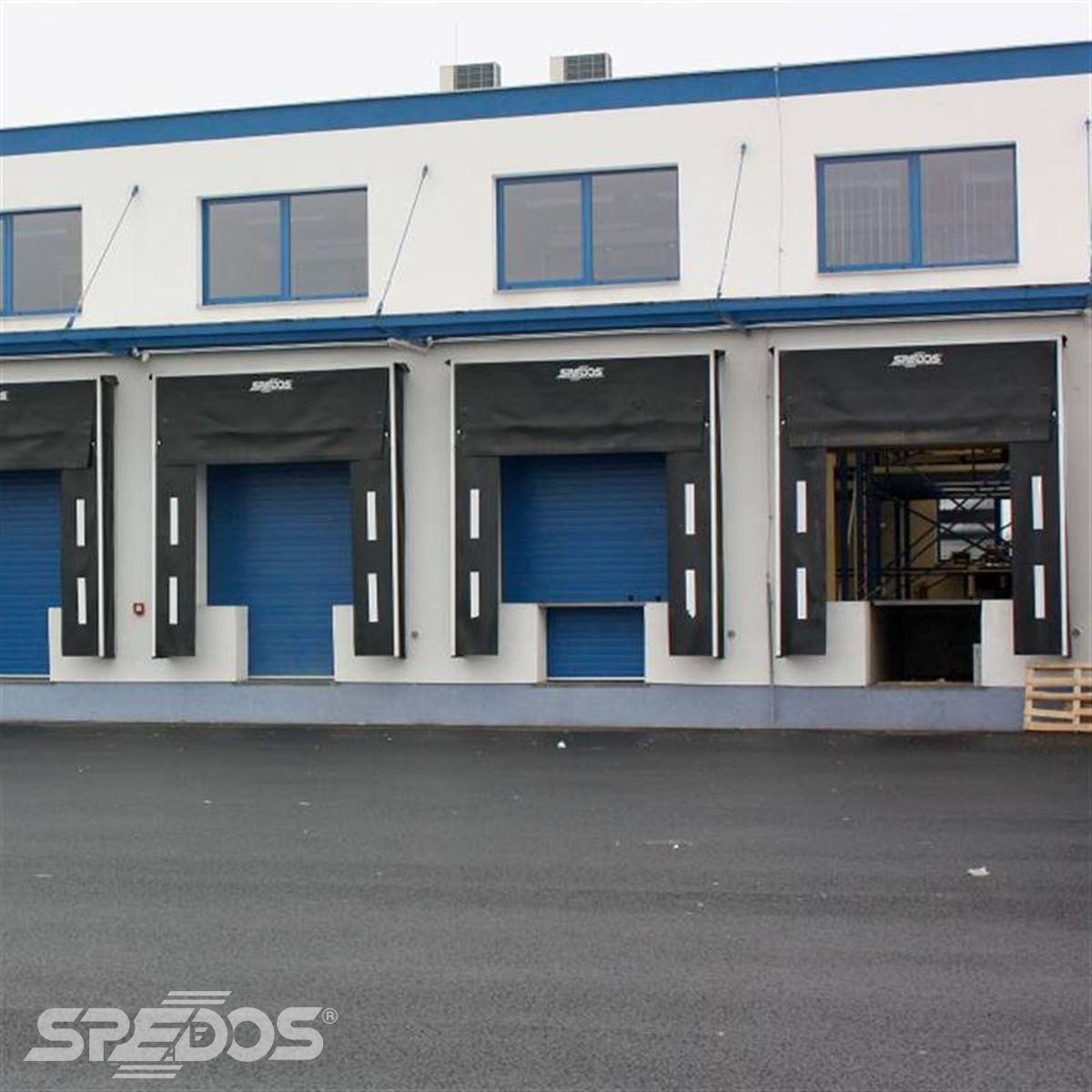 sekční vrata Spedos v distribučním centru 2