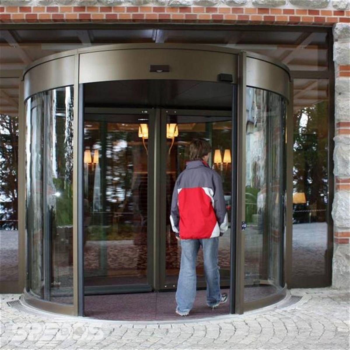 tourniket pro Grand hotel Kempinski 2