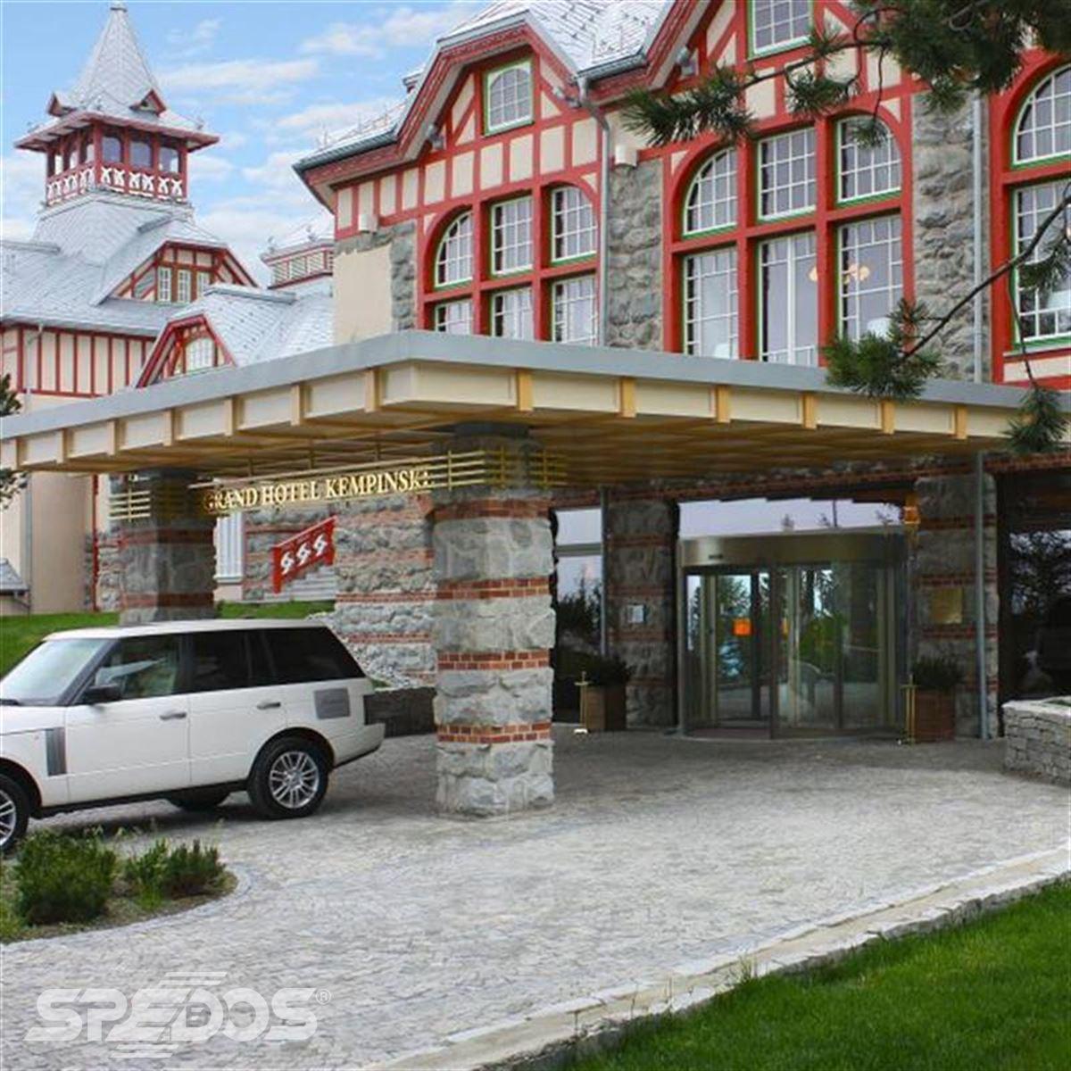tourniket pro Grand hotel Kempinski 4