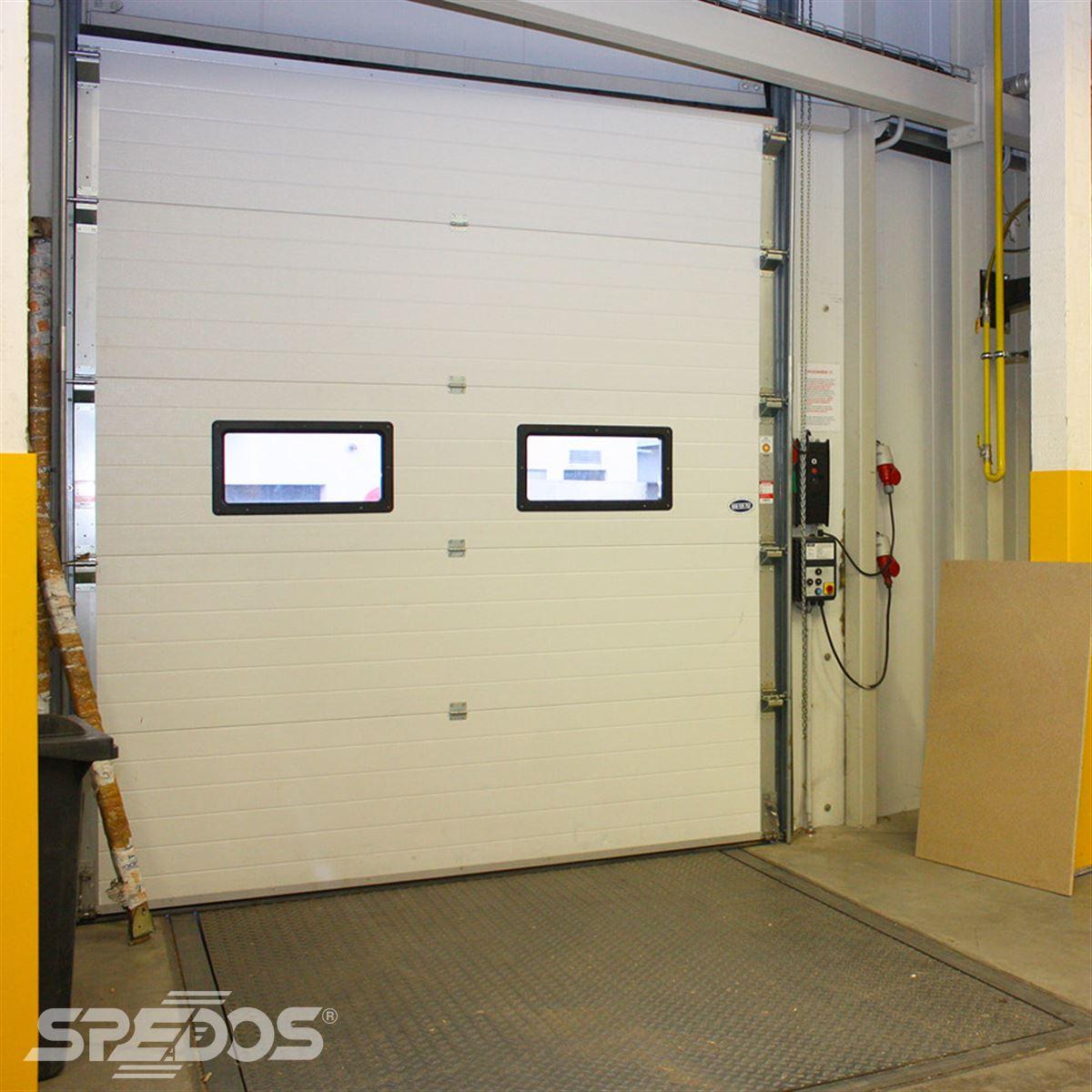 Protipožární sekční průmyslová vrata