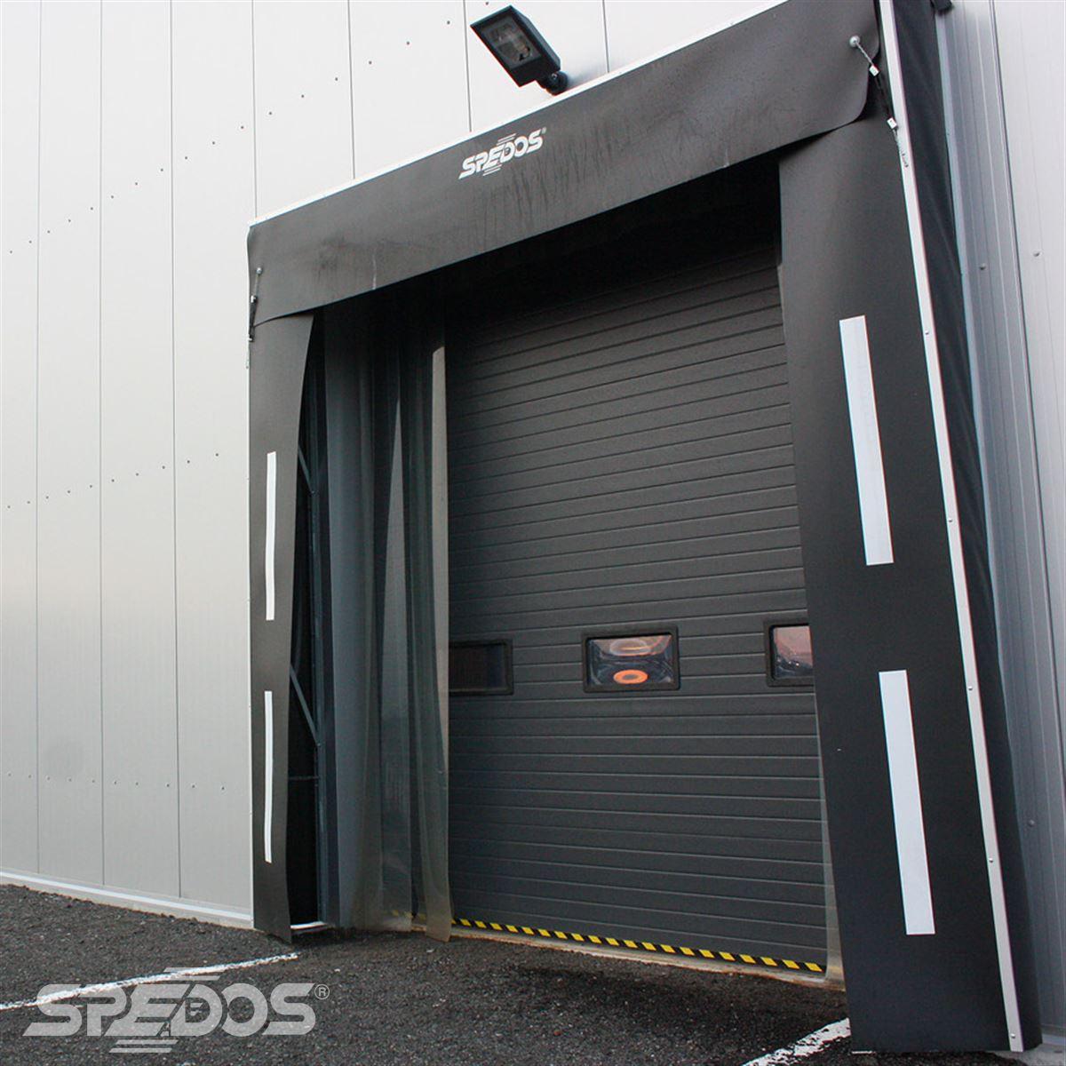 Sekční vrata s těsnícím límcem