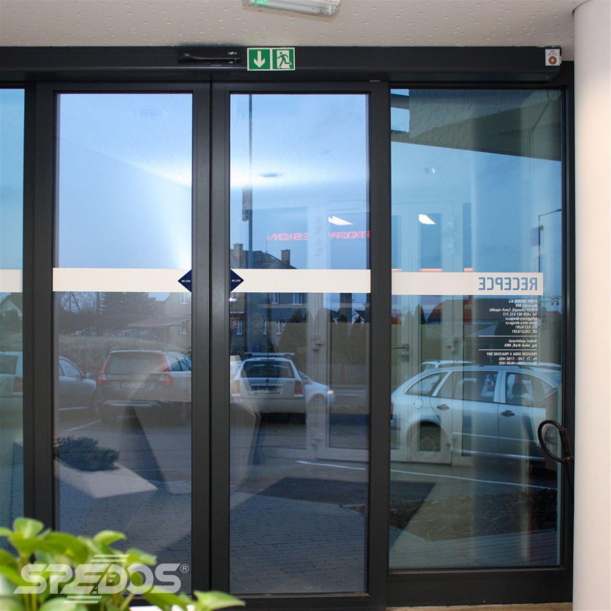 Automatické posuvné dveře dvoukřídlé