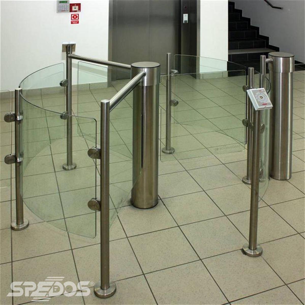 Bezpečnostní vstup do administrativní budovy