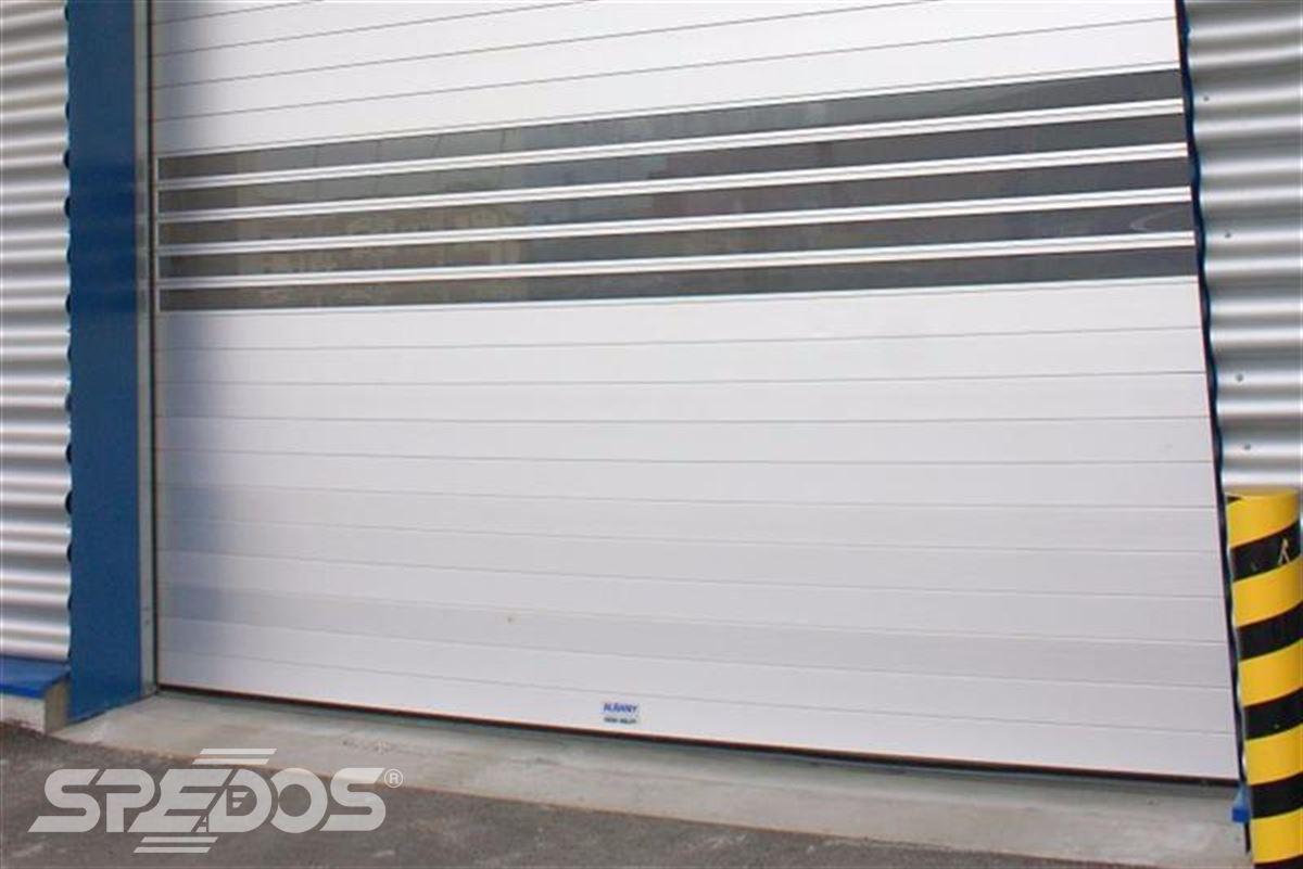 Průmyslová sekční a rychloběžná vrata pro Dymos 11
