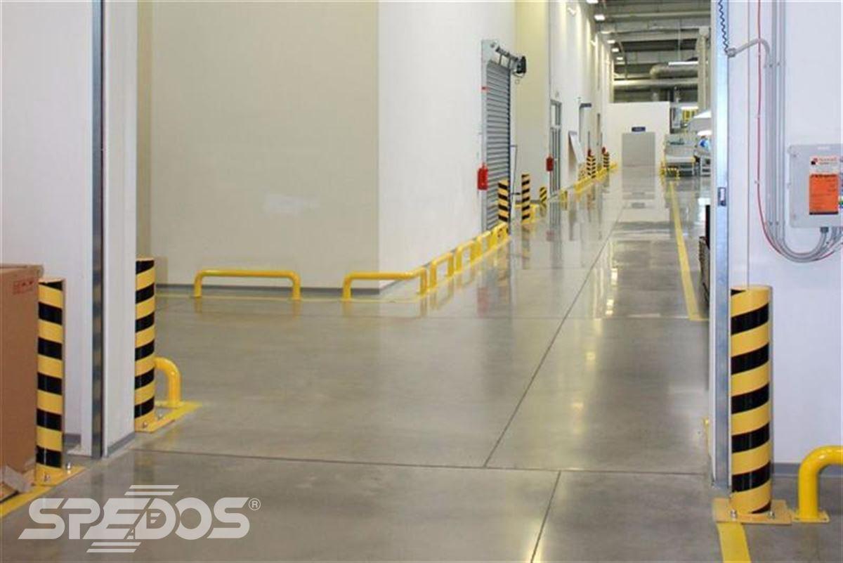 Průmyslová sekční a rychloběžná vrata pro Dymos 16