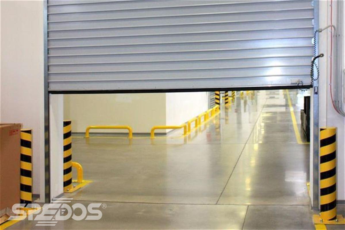 Průmyslová sekční a rychloběžná vrata pro Dymos 18