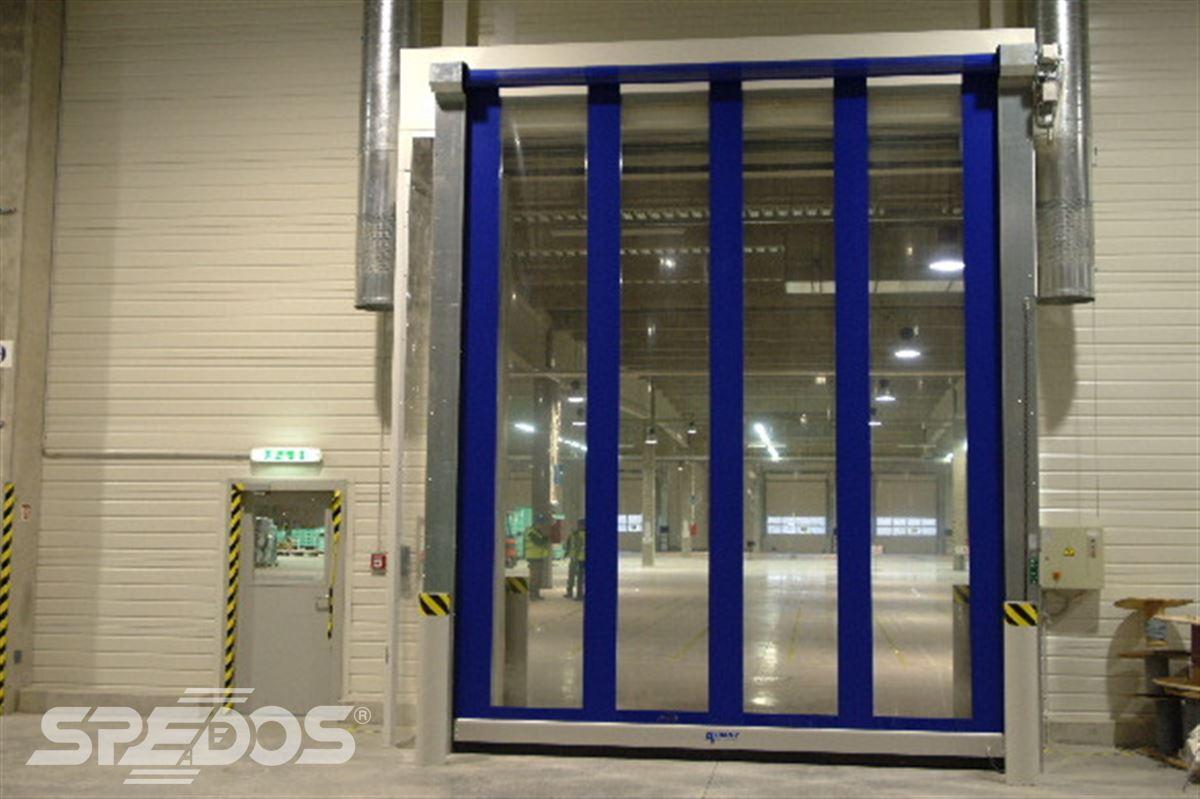zavřená rychlonavíjecí vrata